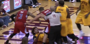 Blake-Griffin-Anderson-Varejao-Fight